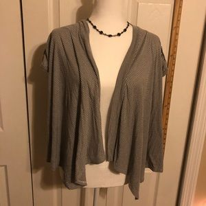 Gray and cream short sleeved shrug